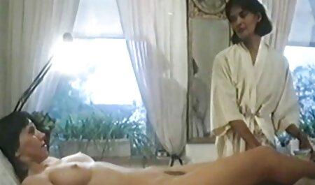 Anh quốc, slide ngón phim set nhat khong che tay lên mông cô ấy