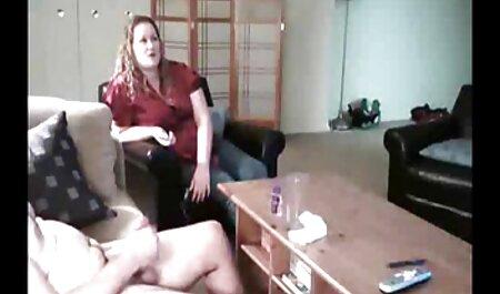 Tọc mạch cô bé thích một phim sex nhật bản gái xinh không che tay trong phòng thay đồ